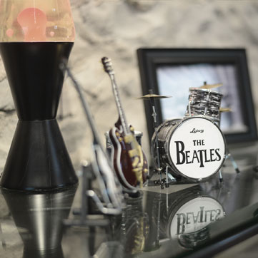 Lava lamp and Beatles small drum set